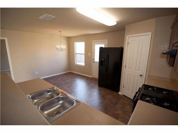 206 Wells Bnd, Hutto, TX 78634 Photo 3