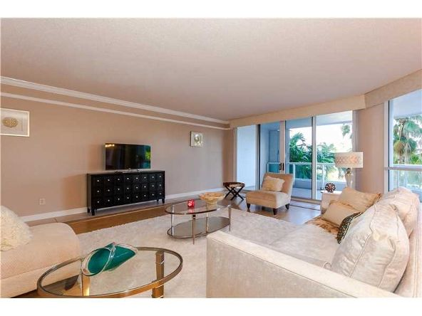 21150 Point Pl., Aventura, FL 33180 Photo 3