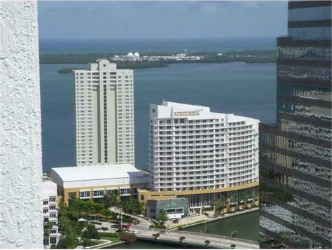 Miami, FL 33131 Photo 3