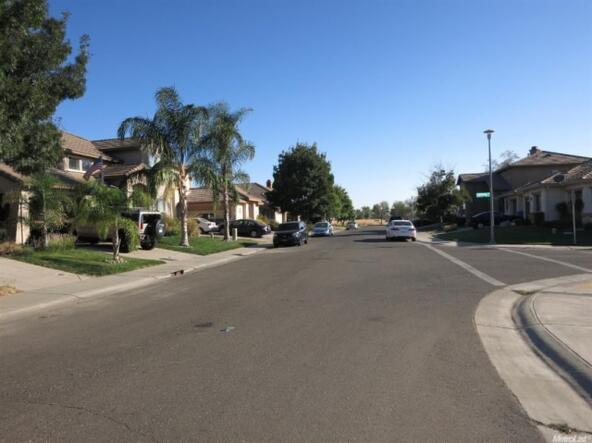 301 Highfield Cir., Sacramento, CA 95832 Photo 5