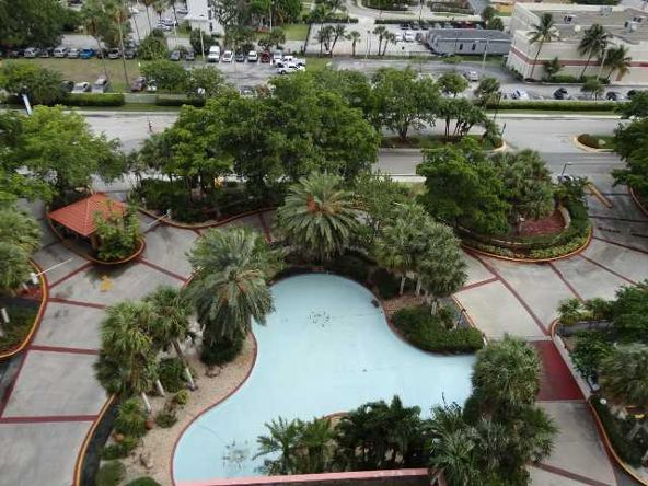 210 174 St. # 1215, Sunny Isles Beach, FL 33160 Photo 25