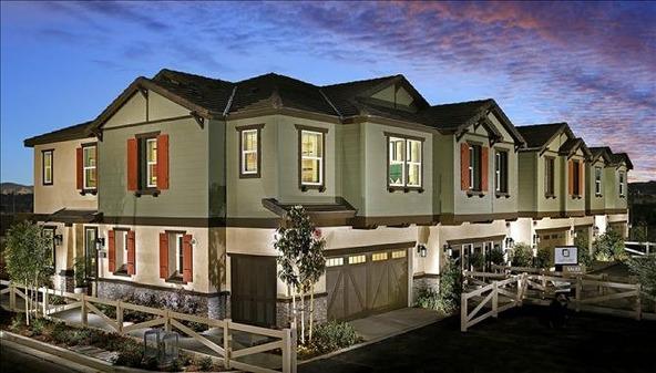 22116 Barrington Way, Santa Clarita, CA 91350 Photo 2