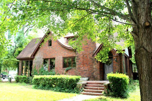 1805 W. Main, Russellville, AR 72801 Photo 2