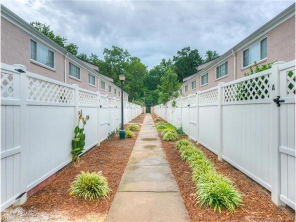1230 Green Oaks Ln., Charlotte, NC 28205 Photo 2