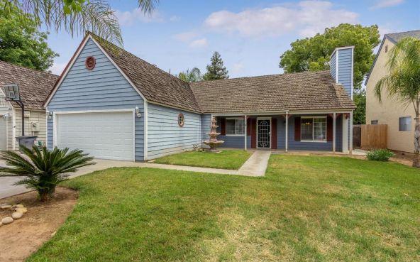 5392 N. Aurora Avenue, Fresno, CA 93722 Photo 1
