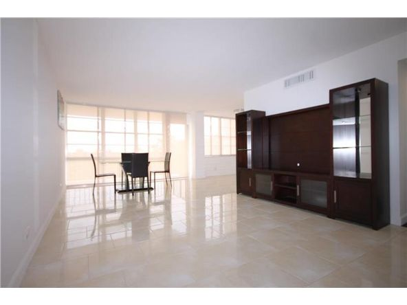 301 174th St. # 505, Sunny Isles Beach, FL 33160 Photo 2
