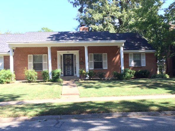 915 S. Roselawn Dr., West Memphis, AR 72301 Photo 1