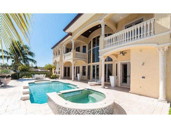 North Miami Beach, FL 33160 Photo 5