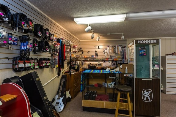 475 W. Tulsa St., Siloam Springs, AR 72761 Photo 9