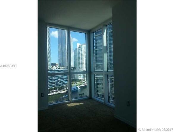 Miami, FL 33131 Photo 12