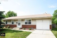 Home for sale: 712 Larsen Avenue, Streamwood, IL 60107