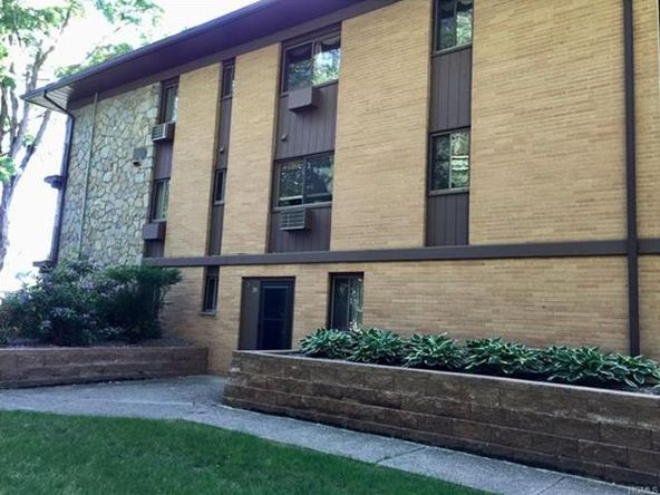 10 Oakwood Terrace, Unit #20, New Windsor, NY 12553 Photo 10