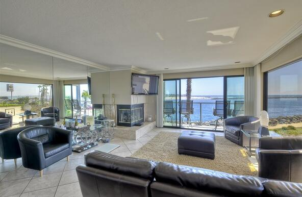 2595 Ocean Front Walk, San Diego, CA 92109 Photo 4