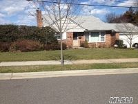 Home for sale: 41 Sideview Dr., Oyster Bay, NY 11771