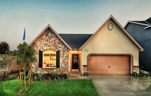 6735 W. Sapphire Drive, Fresno, CA 93723 Photo 2