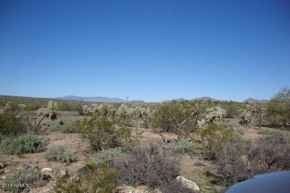 200 W. Cir. Mountain Rd. W, New River, AZ 85087 Photo 2