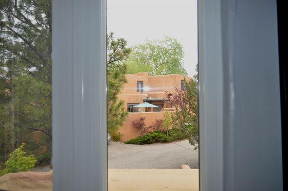 354 Calle Loma Norte, Santa Fe, NM 87501 Photo 11
