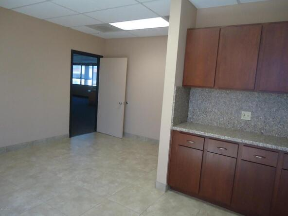 16991 N. Boswell Blvd., Sun City, AZ 85351 Photo 13