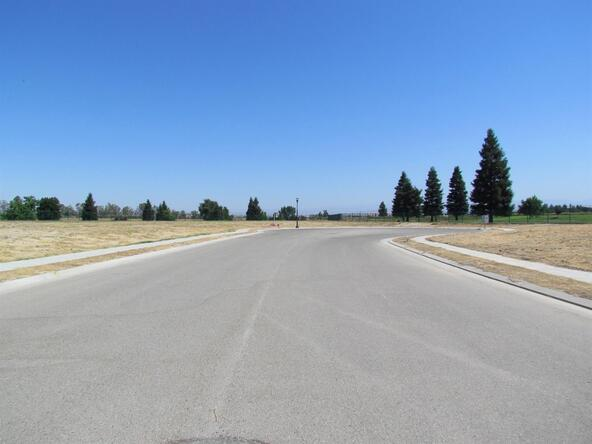 11673 North Devonshire, Fresno, CA 93730 Photo 2