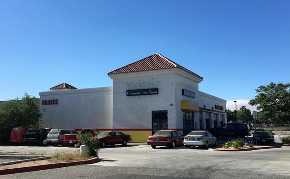 202 E. Palmdale Blvd., Palmdale, CA 93550 Photo 1