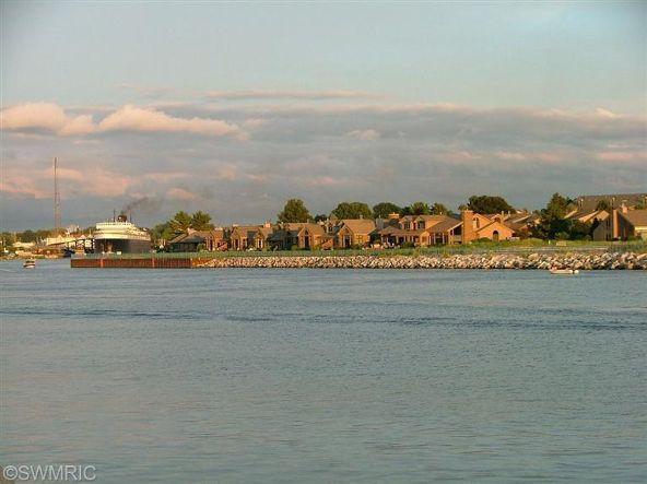 368 Harbor #406, Ludington, MI 49431 Photo 36