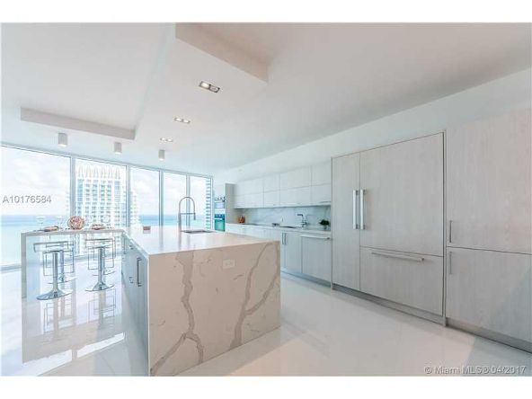 300 S. Pointe Dr. # 3105, Miami Beach, FL 33139 Photo 4