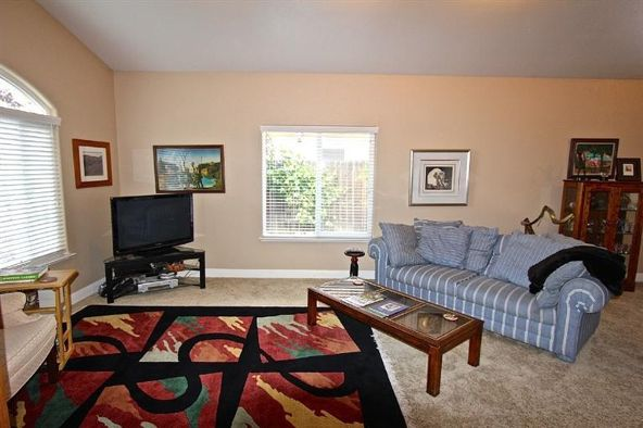 7390 N. Gilroy Avenue, Fresno, CA 93722 Photo 26