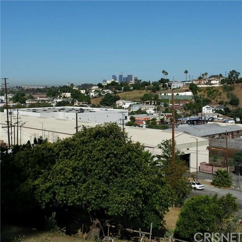 1922 N. Seigneur Avenue, Los Angeles, CA 90032 Photo 1