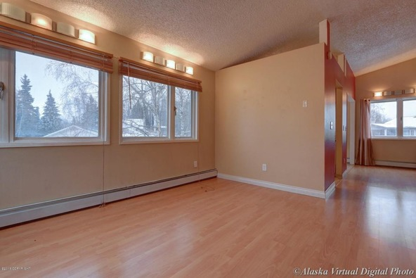 7085 Weimer Rd., Anchorage, AK 99502 Photo 5