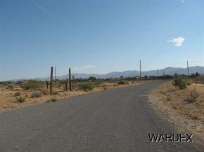 891 S. Salt Pl., Golden Valley, AZ 86413 Photo 4