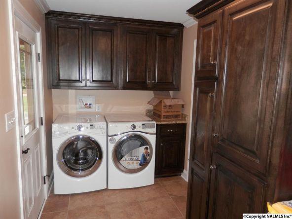 2304 Mountbrook Dr. S.E., Decatur, AL 35601 Photo 18