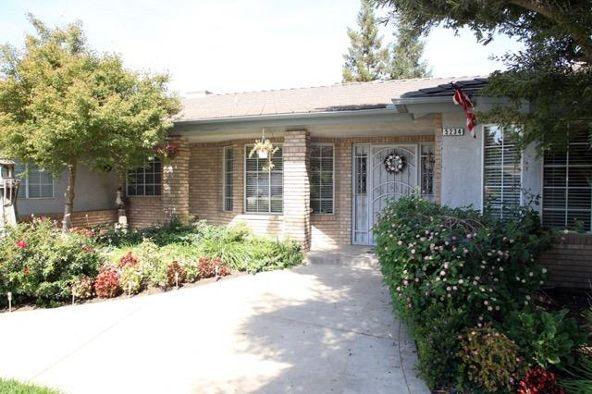 5234 West Spruce Avenue, Fresno, CA 93722 Photo 3