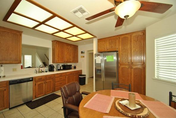 5136 W. Los Altos Avenue, Fresno, CA 93722 Photo 14
