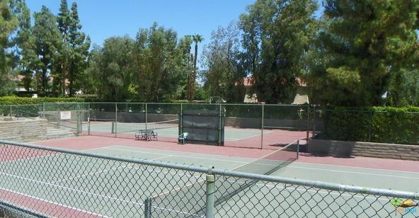 550 N. Villa Ct., Palm Springs, CA 92262 Photo 5