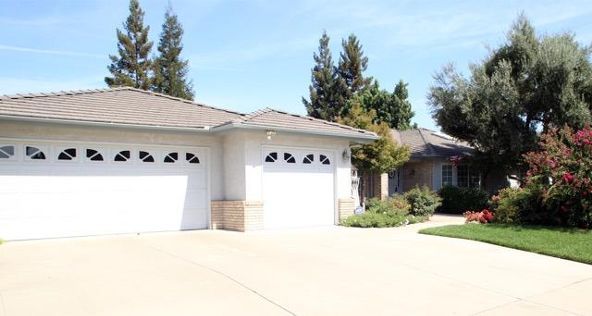 5234 West Spruce Avenue, Fresno, CA 93722 Photo 2