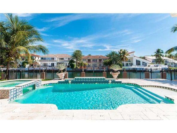 North Miami Beach, FL 33160 Photo 3