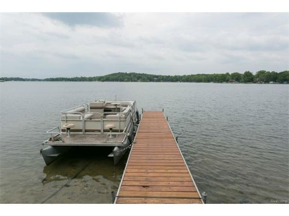 7290 Williams Lake Rd., Waterford, MI 48329 Photo 10