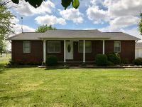 Home for sale: 302 Bohannon, Sikeston, MO 63801