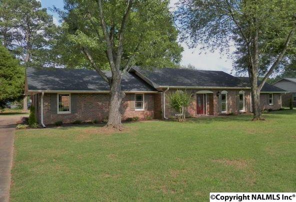 2304 Mountbrook Dr. S.E., Decatur, AL 35601 Photo 27