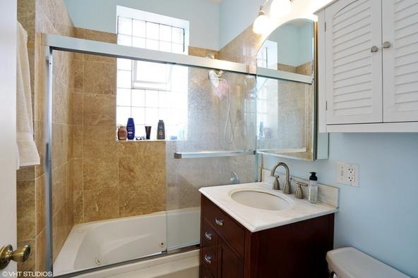 850 North Damen Avenue, Chicago, IL 60622 Photo 2