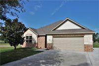 Home for sale: 207 Cayuga Trail, Lake Kiowa, TX 76240