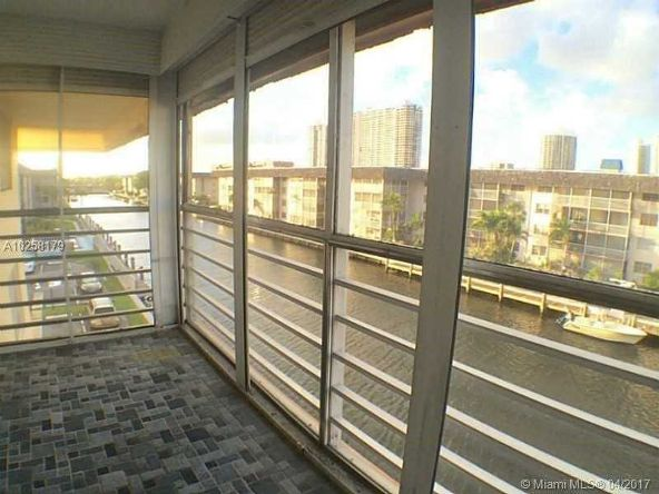 North Miami Beach, FL 33160 Photo 1