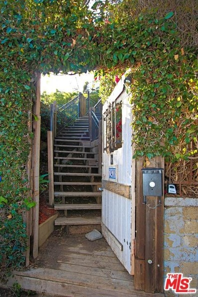 2431 Gower St., Los Angeles, CA 90068 Photo 2