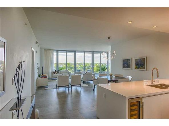 801 S. Pointe Dr. # 401, Miami Beach, FL 33139 Photo 2