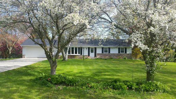 10594 Crestview Dr., Cedarburg, WI 53012 Photo 1