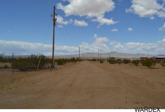 8878 W. Palo Verde Dr., Dolan Springs, AZ 86441 Photo 30