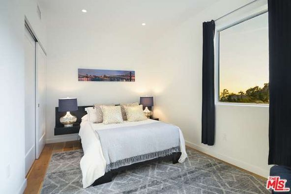 8469 Franklin Ave., Los Angeles, CA 90069 Photo 24