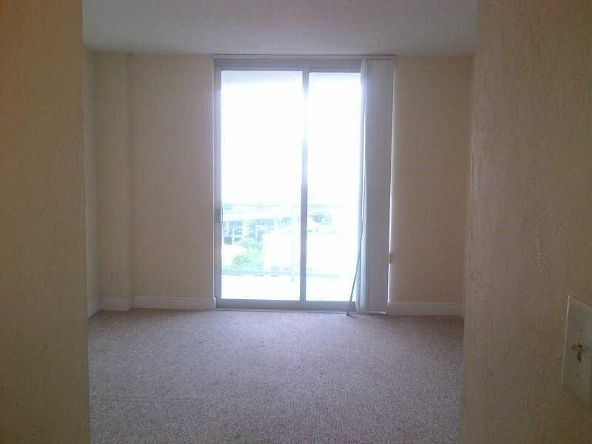 19390 Collins # 1417, Sunny Isles Beach, FL 33160 Photo 4
