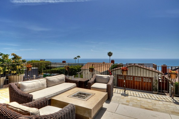2950 Rounsevel, Laguna Beach, CA 92651 Photo 2