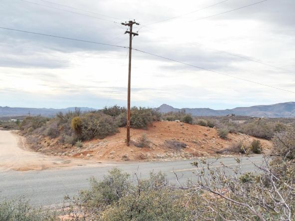 7570 W. Shelburne Rd., Kirkland, AZ 86332 Photo 3